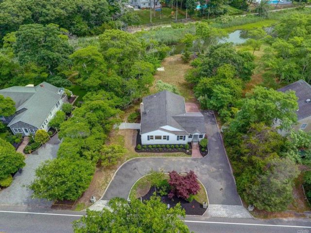 3 BR,  2.00 BTH  Ranch style home in Hampton Bays