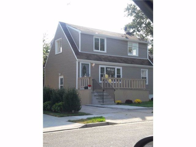 3 BR,  2.00 BTH  Cape style home in Elmont