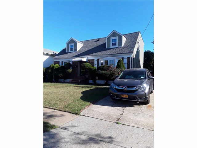 5 BR,  2.00 BTH  Cape style home in New Hyde Park