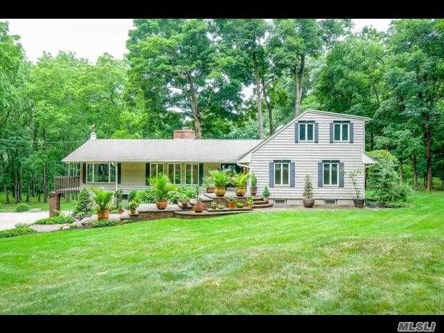 4 BR,  3.50 BTH  Farm ranch style home in Lloyd Neck