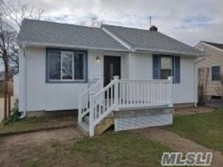 2 BR,  1.00 BTH  Ranch style home in Copiague