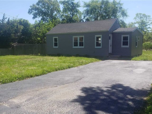 3 BR,  2.00 BTH  Ranch style home in East Patchogue