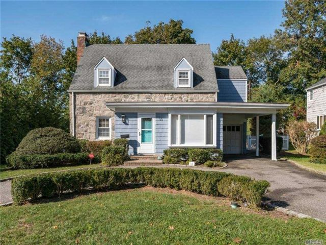 3 BR,  3.00 BTH  Colonial style home in East Hills