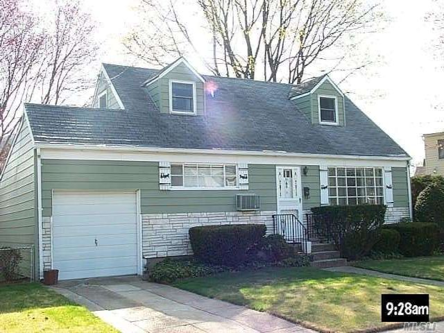 4 BR,  2.00 BTH  Cape style home in East Meadow