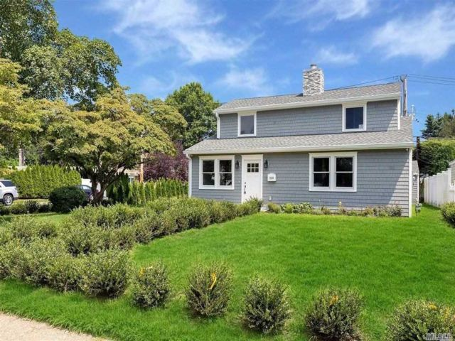 4 BR,  2.00 BTH  Colonial style home in Glen Head