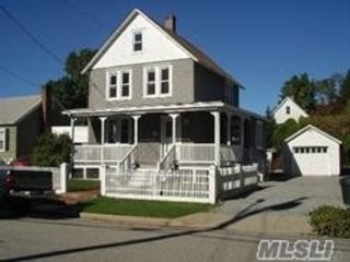 2 BR,  1.00 BTH  Colonial style home in Oyster Bay