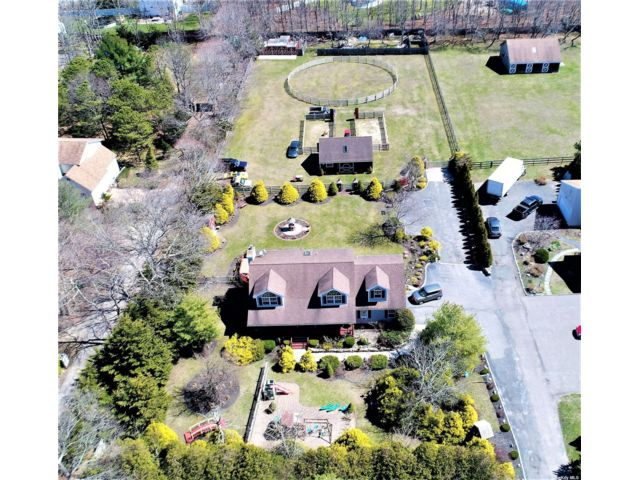 3 BR,  3.00 BTH  Cape style home in Center Moriches