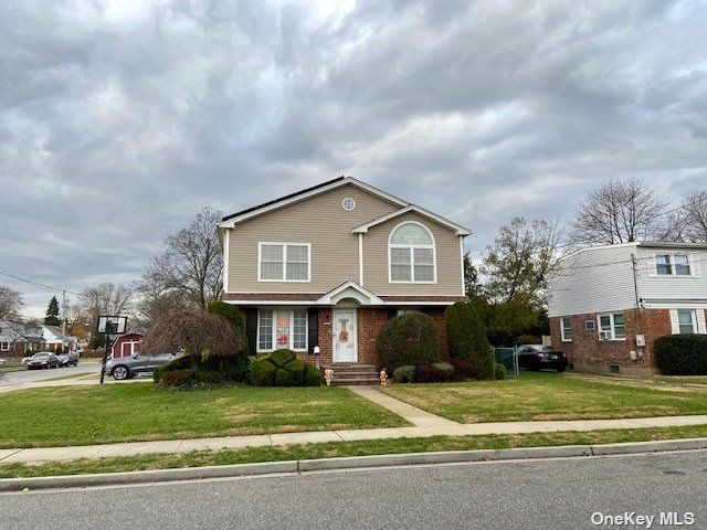 4 BR,  3.00 BTH  Colonial style home in East Meadow