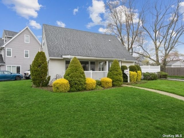 3 BR,  1.00 BTH  Cape style home in East Meadow