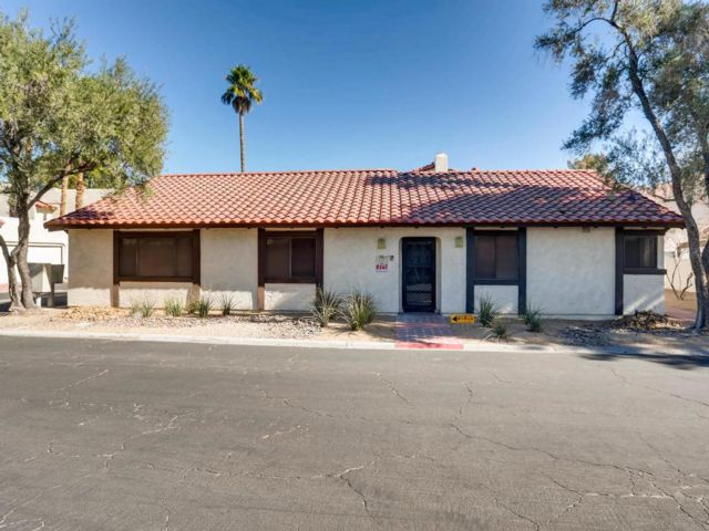 3 BR,  2.00 BTH  Bungalow style home in Las Vegas