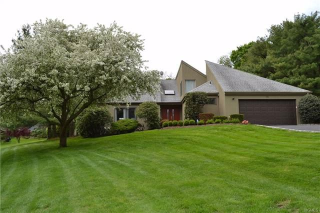 4 BR,  3.50 BTH  Contemporary style home in Rye