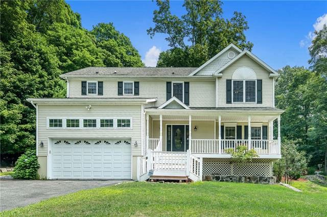 4 BR,  2.50 BTH  Colonial style home in Croton-on-hudson