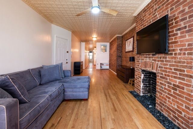 1 BR,  1.00 BTH  Coop style home in Upper West Side