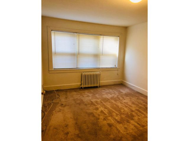 2 BR,  1.00 BTH  Apartment style home in Glen Cove