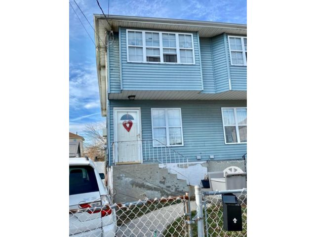 3 BR,  1.50 BTH  Colonial style home in Midland Beach