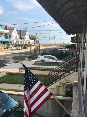 2 BR,  1.50 BTH  Apartment style home in Rockaway Park
