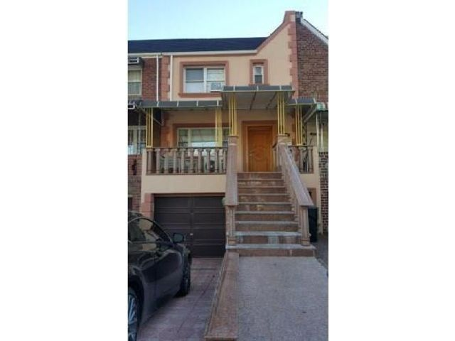 4 BR,  3.00 BTH  Multi-family style home in Sheepshead Bay