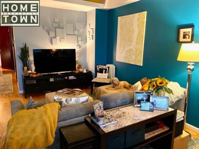 2 BR,  1.50 BTH  Rental style home in Park Slope