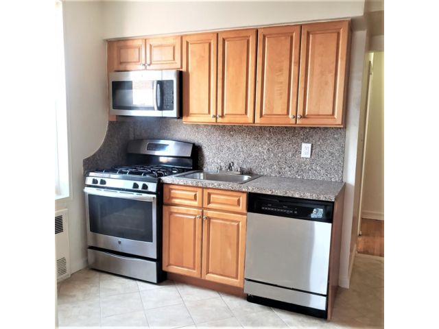 2 BR,  1.00 BTH  Rental style home in Ditmas Park