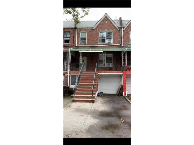 1 BR,  1.00 BTH  Apartment style home in Sheepshead Bay